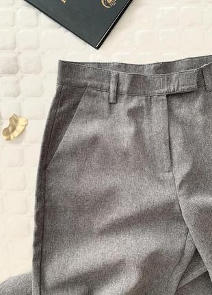 Базові сірі штани палаццо