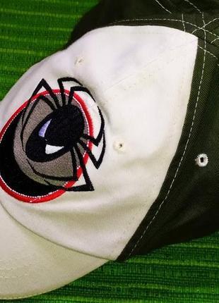 Летняя кепка, бейсболка с вышитым паучком. размер-49-52. новая.