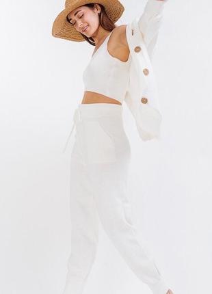 Женский вязаный костюм-тройка светло молочный