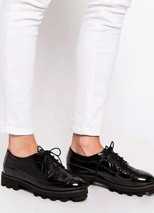 Женские классические туфли  оксфорды
