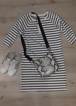 Трендовое и стильное платье-телняшка