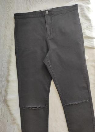 Черные джинсы скинни с разрезами дырками на коленях высокая талия посадка стрейч батал3 фото