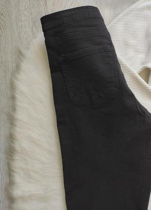Черные джинсы скинни с разрезами дырками на коленях высокая талия посадка стрейч батал8 фото