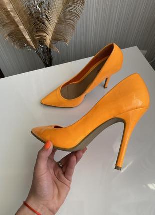 Яркие неоновые лодочки туфли на шпильке размер 37 38