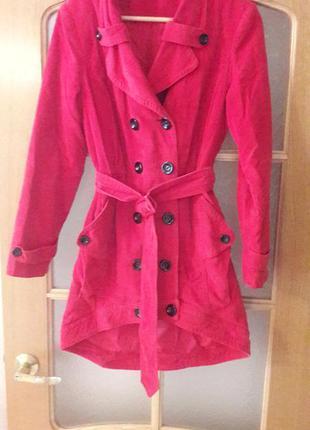 Очень стильное и оригинальное вельветовое пальто