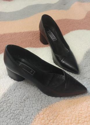 Суперские красивые удобные туфли twenty two