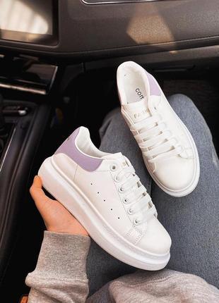 Белые кроссовки c лиловым задником 😍