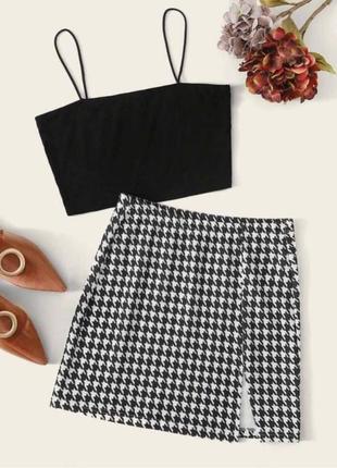Костюм ( юбка ( гусиная лапка) + топ на тонких брителях