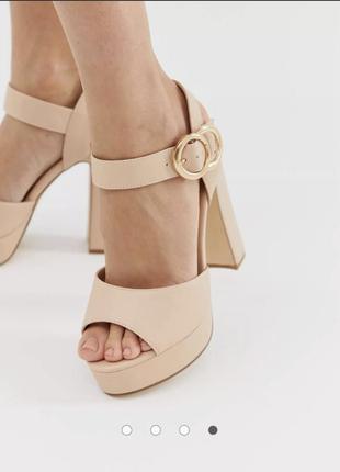 Босоножки сандалии бежевые на каблуке и платформе для широкой стопы truffle collection