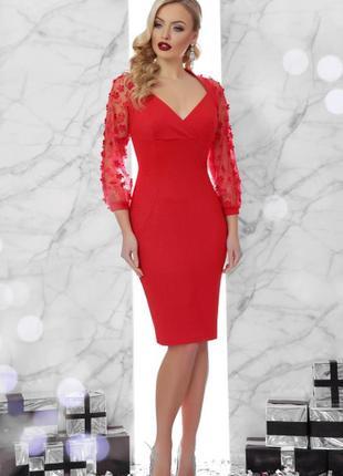 Красное платье с ажурными рукавами до колен миди с длинными рукавами