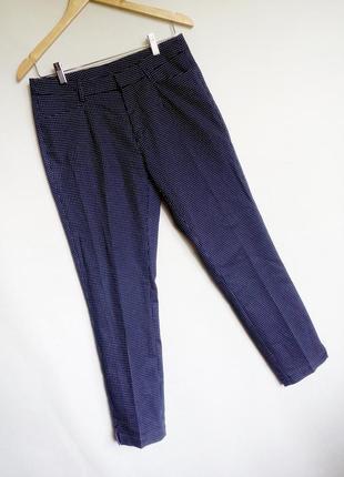 Классические брюки в мелкий горох