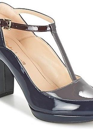 Шикарные лаковые кожаные туфли на каблуке clarks