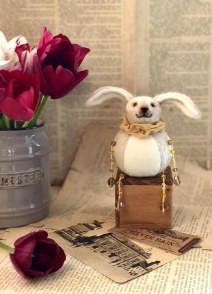 Интерьерная игрушка заяц, ручная работа