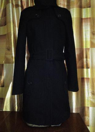 Демисезонное ,осеннее, шерсть 70%, пальто с поясом, черное