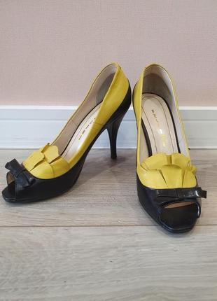 Новые кожанные туфли fellini
