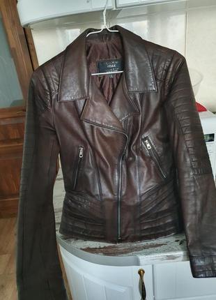 Кожаная куртка levento pelle
