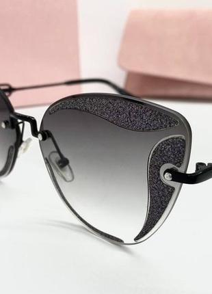 Miu miu женские солнцезащитные очки черны градиент