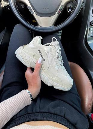 Кросівки triple s light beige кроссовки