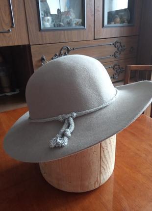 Фетровий капелюх