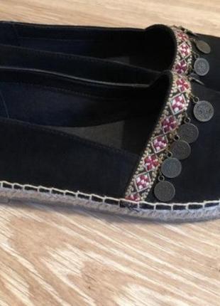 Новые женские черные замшевые босоножки/лодочки/эспидральи с вышивкой 38 р