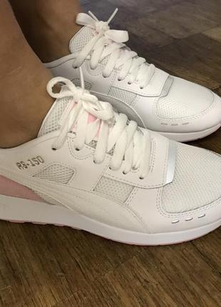 Белые кроссовки пума