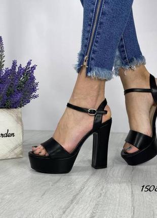 Женские босоножки на платформе и каблуке