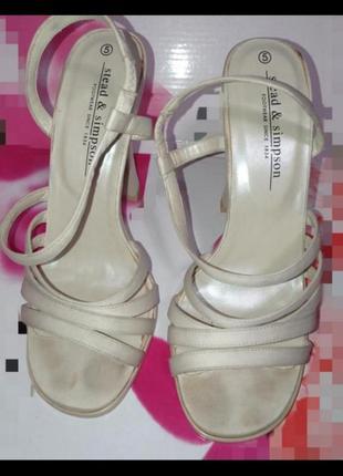Босоножки туфли каблуки праздничные