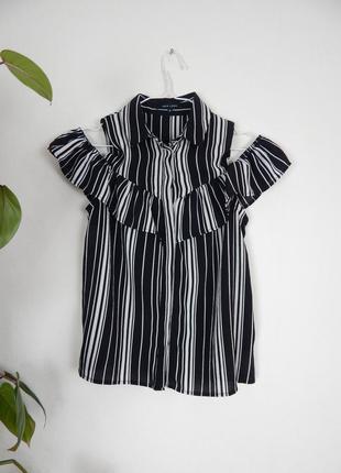 Летняя блуза рубашка в полоску на плечи с открытыми плечами и воланом на груди new look