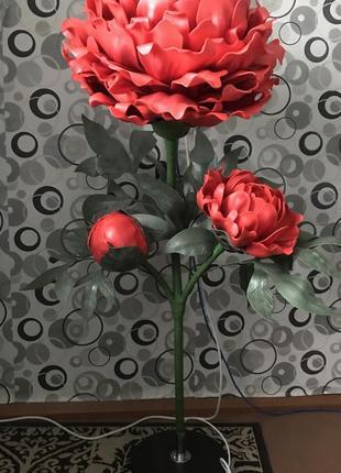 Торшер пион. ростовые цветы