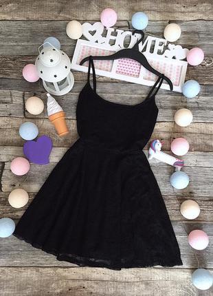Красивое чёрное кружевное,расклешенное  платье h&m