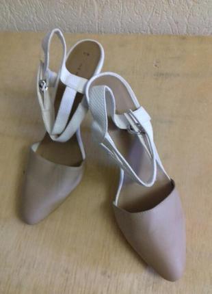 Шикарные туфли босоножки