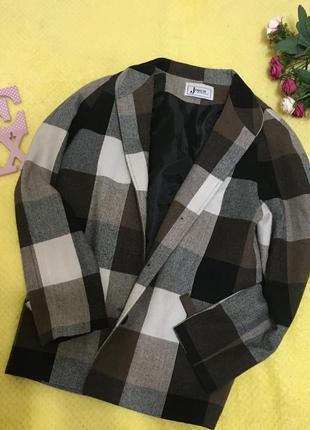 Новый тренч пальто пиджак куртка стильный