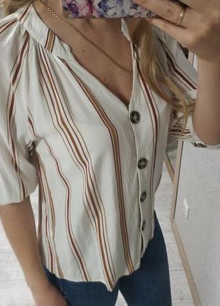 Легкая актуальная блуза на пуговицах