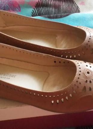 Туфли с перфорацией naturalizer, натуральная кожа.