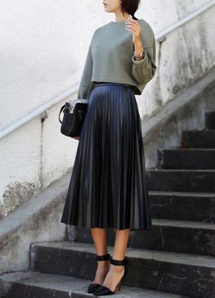 Плиссированная юбка из екокожы от reserved польша, оригинал