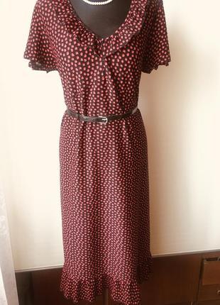 Красивое платье в винтажном стиле