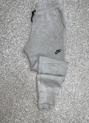 Штаны nike tech fleece