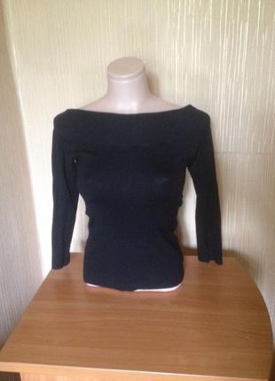 Базовый лонгслив, кофта, джемпер черный, с открытыми плечами.