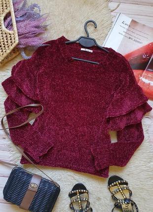 Крутой плюшевый свитер с рукавами рюшами