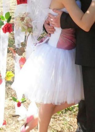 Короткое свадебное платье или на выпускной