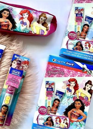 Лимитированный детский набор oral-b + crest электрическая зубная щётка+паста+пенал