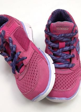 Skechers яркие лёгкие летние кроссовки