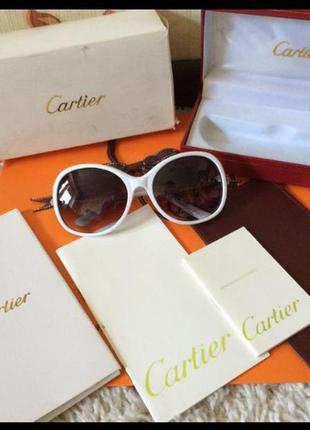 Солнцезащитные очки 🕶