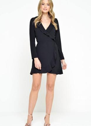 Базовое чёрное платье на запах