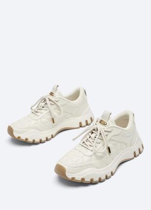 В наличии кроссовки uterqüe размер 38  розмір кросівки uterqüe