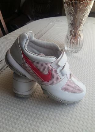 Белые кроссовки nike с розовыми вставками