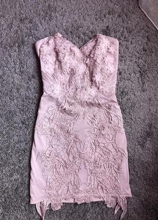 Шикарное платье с 3д цветами