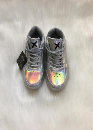 Перламутровые кроссовки,перламутрові кросівки