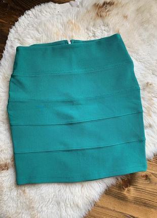 Высокая мини юбка