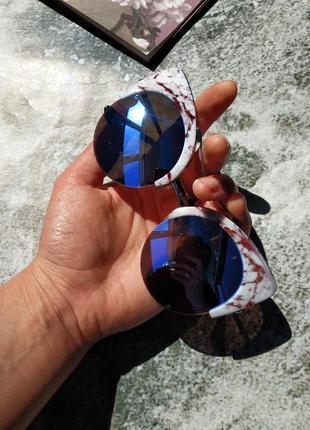 Солнцезащитные очки кошасий нлаз в мраморной оправе